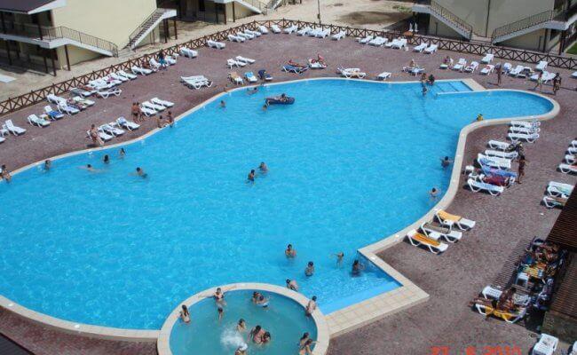 Базы отдыха в Кирилловке с бассейном